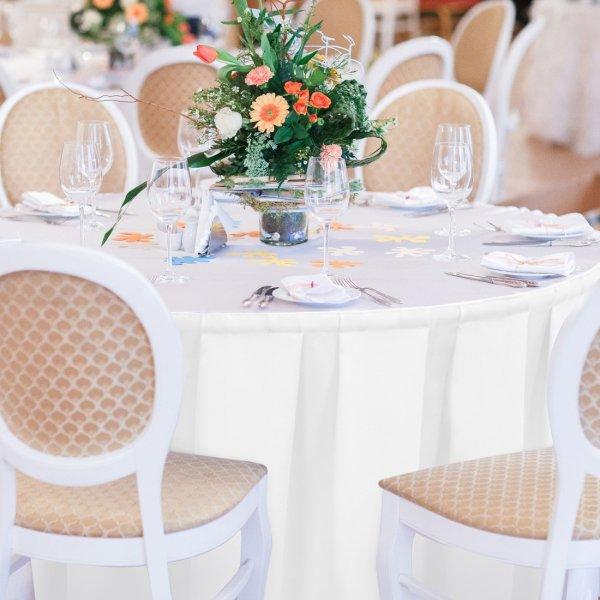 Falbana do stołów GŁADKI GOLD 401-01 biała
